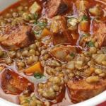 Суп с чечевицей и колбасками
