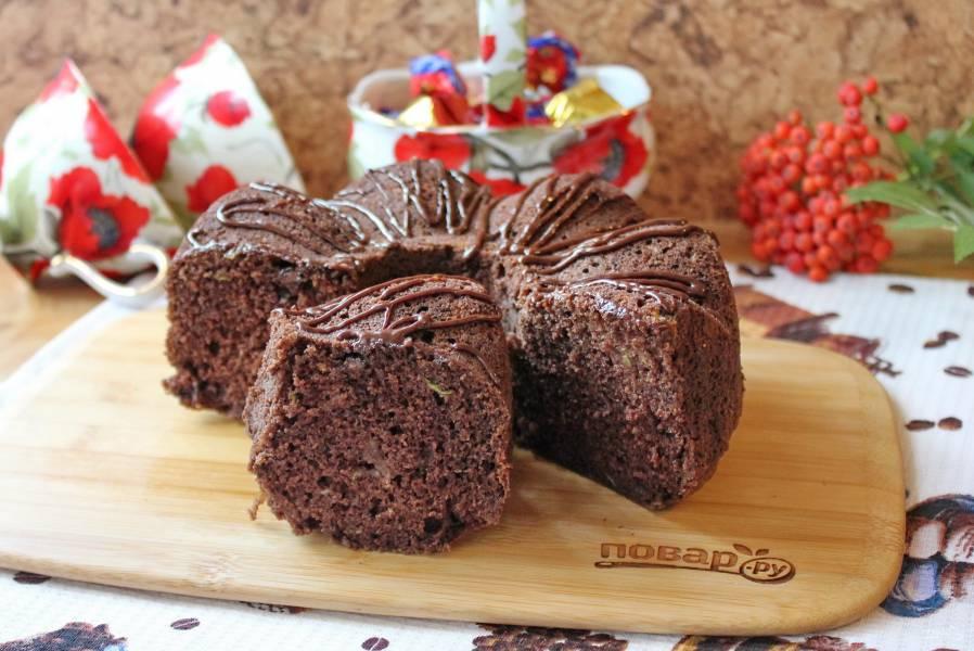 Влажный кекс с цукини и шоколадом