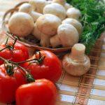 Питательный салат с грибами и языком «Фаворит»